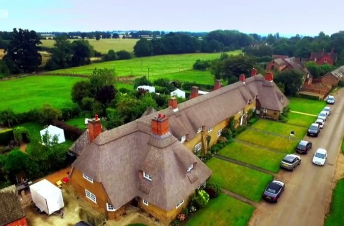 Great Interior Design Challenge Cottages in Ashby