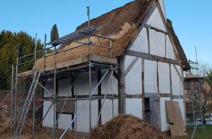 Thatching At The 17th Century Lea Ford Cottage